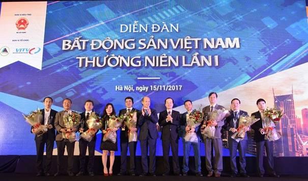 """Bộ Xây dựng ủng hộ VNREA tổ chức """"Giải thưởng Bất động sản Việt Nam 2017 – 2018"""""""