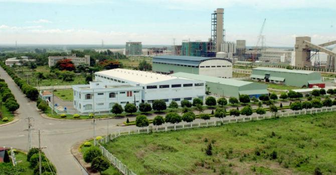 """Bất động sản khu công nghiệp Việt hút khách nhờ """"giá bèo""""?"""