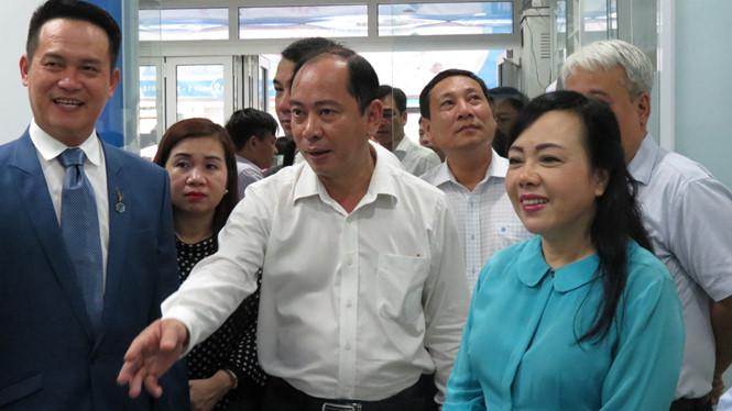 Bộ trưởng Bộ Y tế thăm, làm việc tại Trạm y tế P11, Q3 và DHA Medic